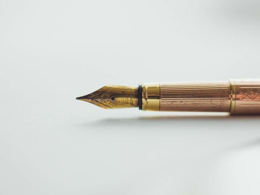 will-writer-writing-pen
