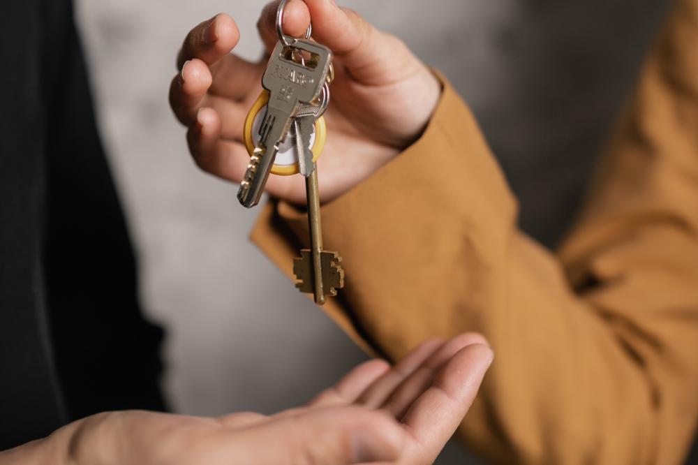 handing-over-keys